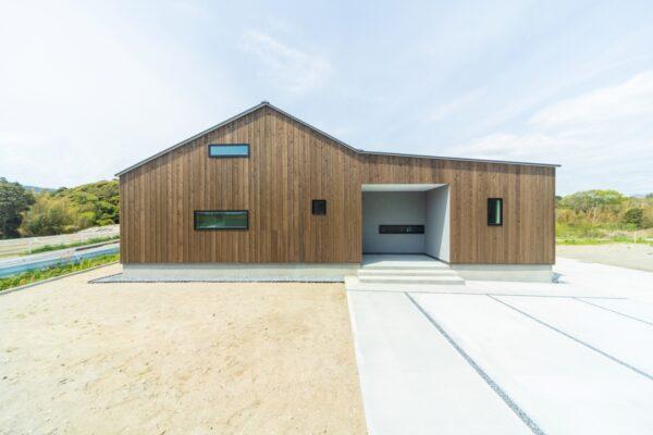 三角屋根の平屋